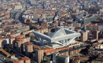 El centro comercial del Calatrava sale a subasta pública en internet